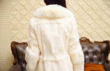 大毛领仿皮草外套