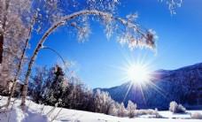 雪天艷陽朝陽背景自然