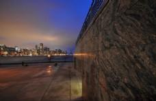 横跨广场的芝加哥天际线