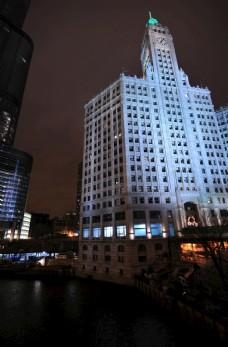 晚上的城市建筑